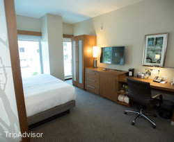 The Standard King Room at the Hyatt Place Washington DC/White House