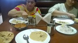 North Indian, Mughlai n Chinese Food at a price that wont punch your pocket....