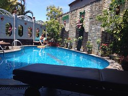 Nice little place with pool!