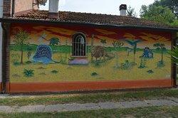 Il meraviglioso murales che ricompre un'intera facciata del B&B