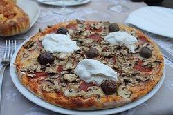 Pizza cafe La Piazza