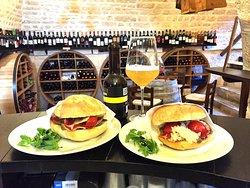 Trulli e Puglia Wine Bar