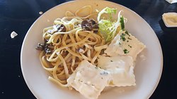 Mushroom pesto spaghetti and lobster ravioli. My friend and I ordered two items to share.