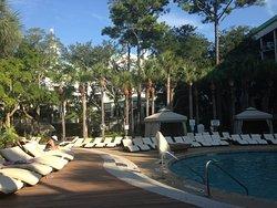 Great resort, decent service