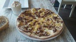Pyszna włoska pizza