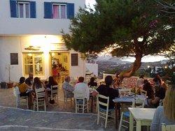 Leonidas Tavern