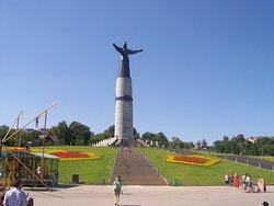 Monument Materi - Pokrovitelnitse