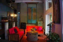 Muse Café & Lounge