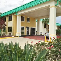 Americas Best Value Inn Gonzales