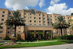 Homewood Suites Miami-Airport / Blue Lagoon