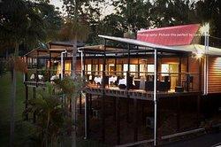 Pasfields Restaurant, Bar & Deck