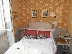 パリで、便利でリーズナブルなホテル