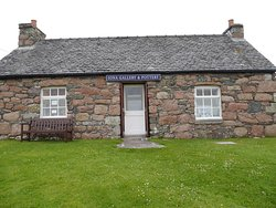 Iona Gallery & Pottery