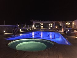 Great hotel with wonderful view on Mykonos town