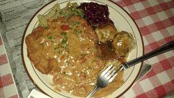 Paprika Schnitzel with Red Kraut and Bread Dumplings (Semmel Knoedel)
