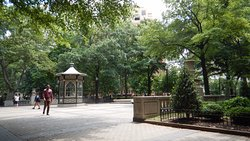 ‪Rittenhouse Square‬