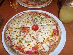 Pazzoz Pizzeria