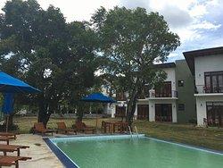 維瓦阿達爾湖畔酒店