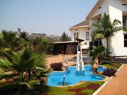 Centrum Pamięci Kigali / Centrum Pamięci o Ludobójstwie w Gisozi
