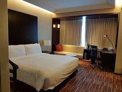 Renaissance Shanghai Zhongshan Park Hotel