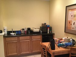 Kitchenette in the big room. Big help for prepare breakfast instead of eat outside.