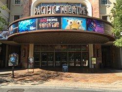 Pacific Theatres Glendale 18