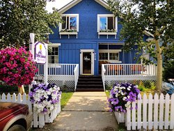 Purple Mountain Lodge Bed & Breakfast and Day Spa