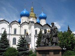 Monument to the Zodchim of the Kazan Kremlin