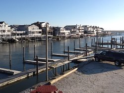 Larsen's Marina Boat Rentals
