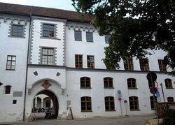 Museen im Antonierhaus