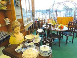 Roumillat's Antiques Mall