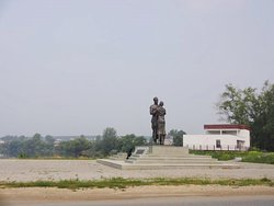 Monument to the Overcoat