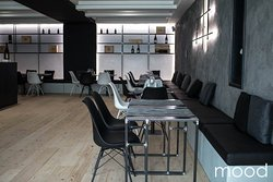 Mood Lounge and Restaurant & Pinsa