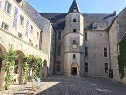 Chateau de Beaugency
