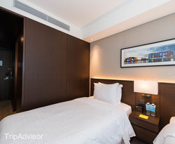 The Superior Twin at the Four Points by Sheraton Seoul, Namsan
