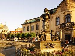 Brühlsche Terrasse mit Café Vis a Vis