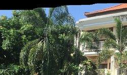 Sri Kusuma Hotel & Bungalows