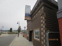Jo Jo's Harbor Light Tavern