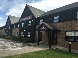 ‪Premier Inn Farnborough West (Southwood) Hotel‬