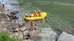 Dag-Raft Rafting