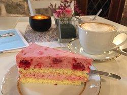 Café & Bistro Frau Schnittchen
