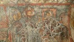 Σπηλαιώδης Ναός Άγιου Λουκά