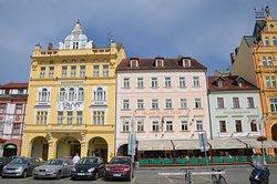 3 Häuser / Fassaden des Hotels Zvon