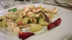 Insalata di polipo e patate con olio extra vergine del Garda e limone