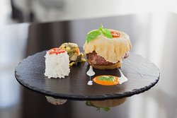AFELIU Restaurant & Lounge