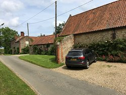 Set in a lovely country lane