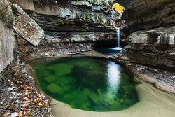 La Grotta Urlante