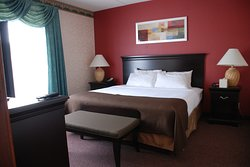 The Plaza Hotel & Suites