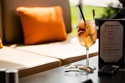 The Best Summer Sipper: Somersby Sangria