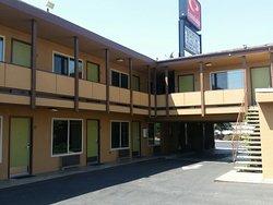 Econo Lodge Sequoia Area